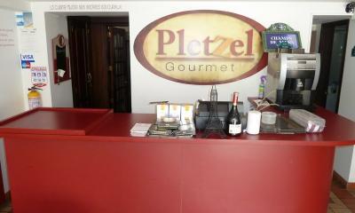 pletzel-5.JPG